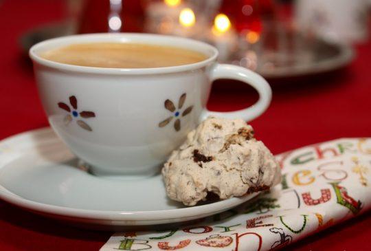 Image: Marengs med sjokolade og mandler