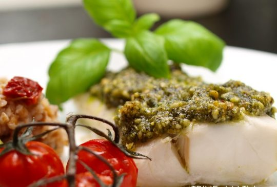 Image: Pestogratinert torsk med tomat, squash og byggris
