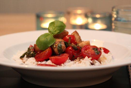 Image: Balsamicotorsk med spinat og tomat