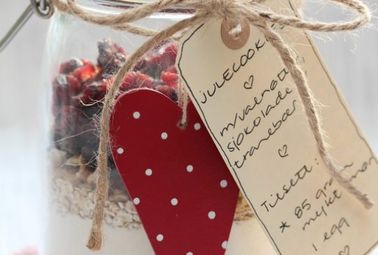 Image: Julecookies på glass – med valnøtter, sjokolade og tranebær