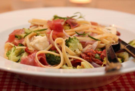 Image: Pasta med parmaskinke, brokkoli og gorgonzola