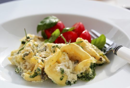 Image: Gratinerte tortellini med blåmuggost og spinat
