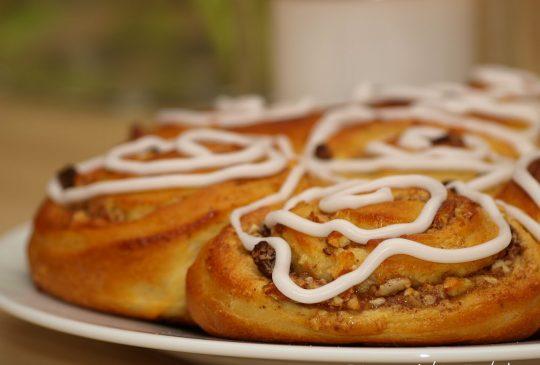 Image: Rosettkake med mandelfyll og sitronglasur