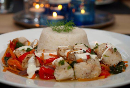 Image: Fiskepakke med sei, spinat, gulrot, paprika og løk