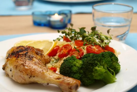 Image: Kyllinglår med tomater, brokkoli, sitron og couscous