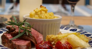 Image: Kalvefilet Oscar med sjøkreps, hvit asparges og potetpurè