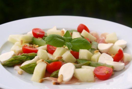 Image: Rask salat med parmaskinke, asparges og honningmelon