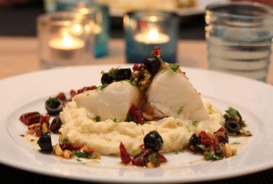 Image: Ovnsbakt torsk med tomat- og olivensalsa