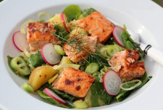 Image: Potet- og spinatsalat med laks