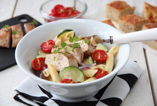 Image: Kremet pasta med kylling, squash og bakte tomater